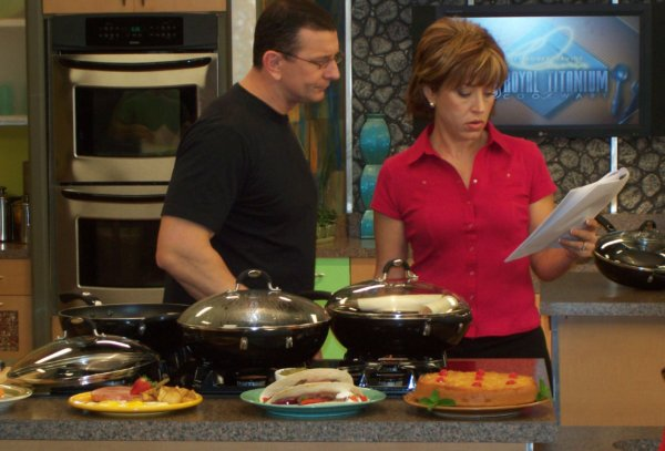 Robert Irvine on set with Forbes Riley